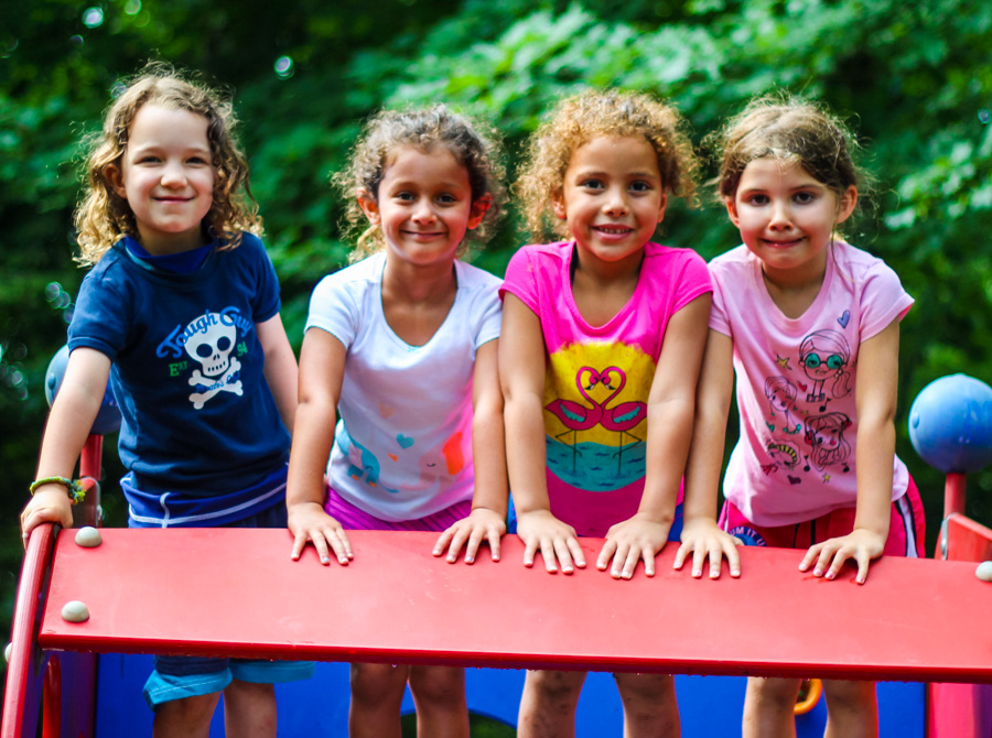 4-campers-playground